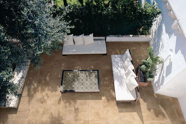 fu b den f r den gartenbereich trends und ideen. Black Bedroom Furniture Sets. Home Design Ideas